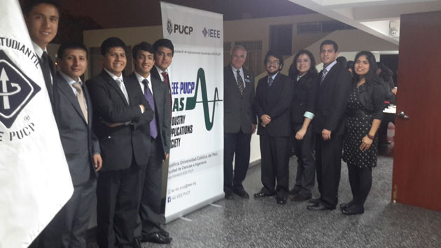 IAS President, David Durocher visits with students from Pontificia Universidad Catolica del Peru while traveling in Peru.