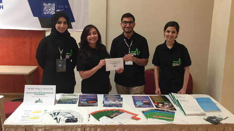 IAS student chapter volunteers promoting IAS at MESYP